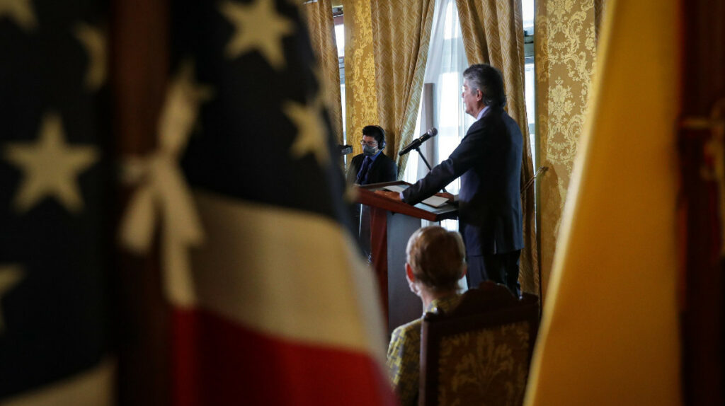 El presidente Guillermo Lasso ha nombrado 16 embajadores