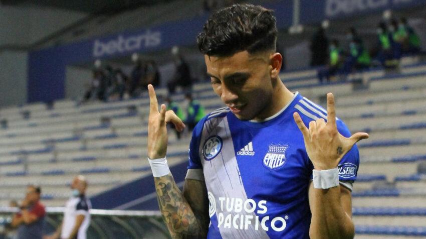 Joao Rojas, de Emelec, festeja un gol ante Olmedo por la LigaPro, en Guayaquil, el 27 de agosto de 2021.