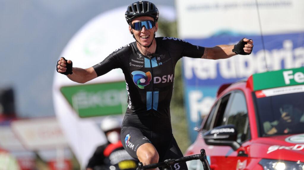 Romain Bardet gana la Etapa 14 y Christian Eiking sigue de líder