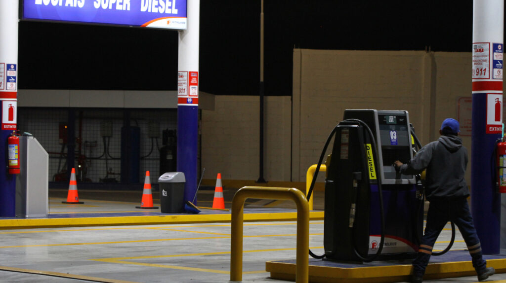 Calidad del diésel es cuestionada, mientras que su precio subió 60%
