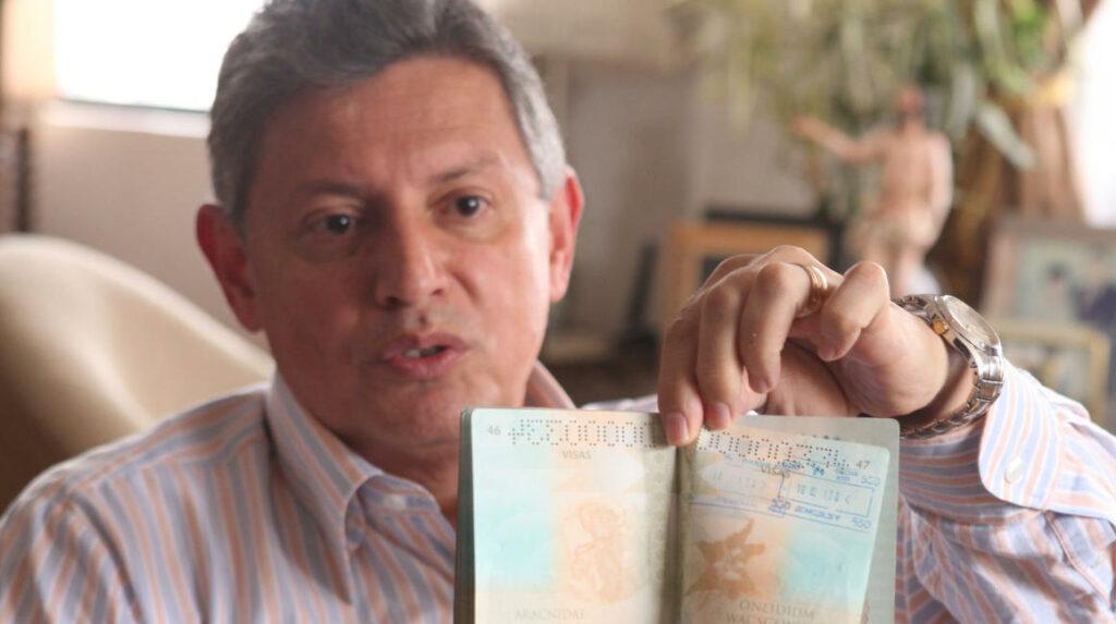 Pedro Delgado, cerca de una deportación que lo llevaría directo a la cárcel