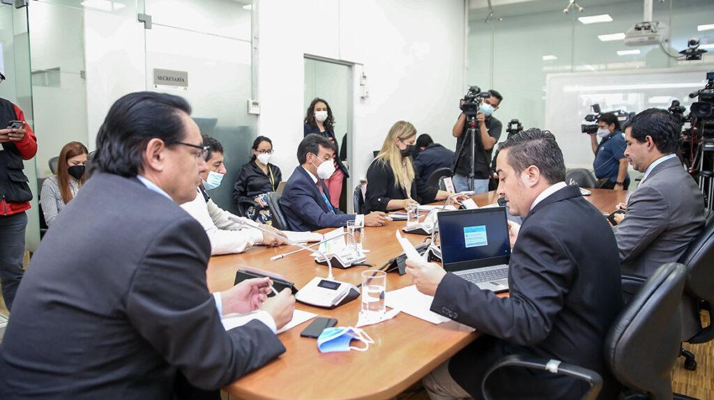 Ministro Cabrera confirma que Bella Jiménez lo visitó en su despacho