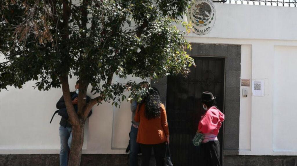 Cancillería confirma que 41 ecuatorianos no fueron admitidos en México