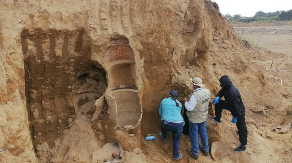 Los Ríos: descubren restos arqueológicos precolombinos en hacienda bananera