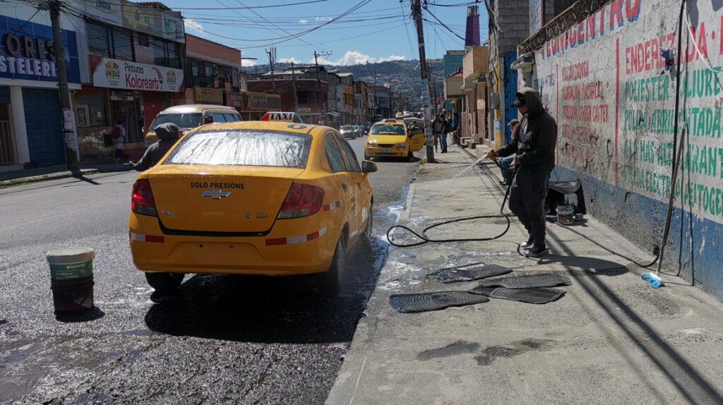 Quito usa el doble del agua necesaria y es de las ciudades que más derrocha