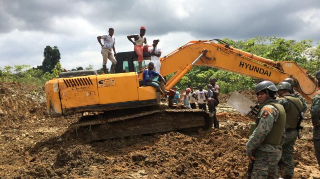 Banco Mundial: 65.000 niños trabajan en minas artesanales en Ecuador, Bolivia y Perú