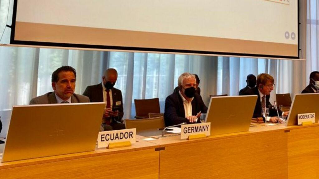Ecuador impulsa un acuerdo mundial contra la contaminación de los mares