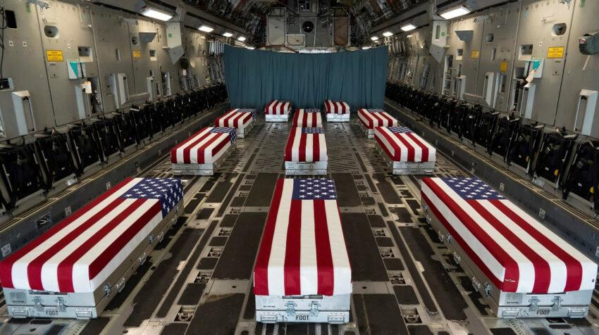 Imagen de los ataúdes de soldados estadounidenses caídos en Afganistán, el 29 de agosto de 2021.