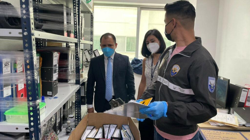 Hospital Los Ceibos, allanado por caso de supuesto tráfico de influencias