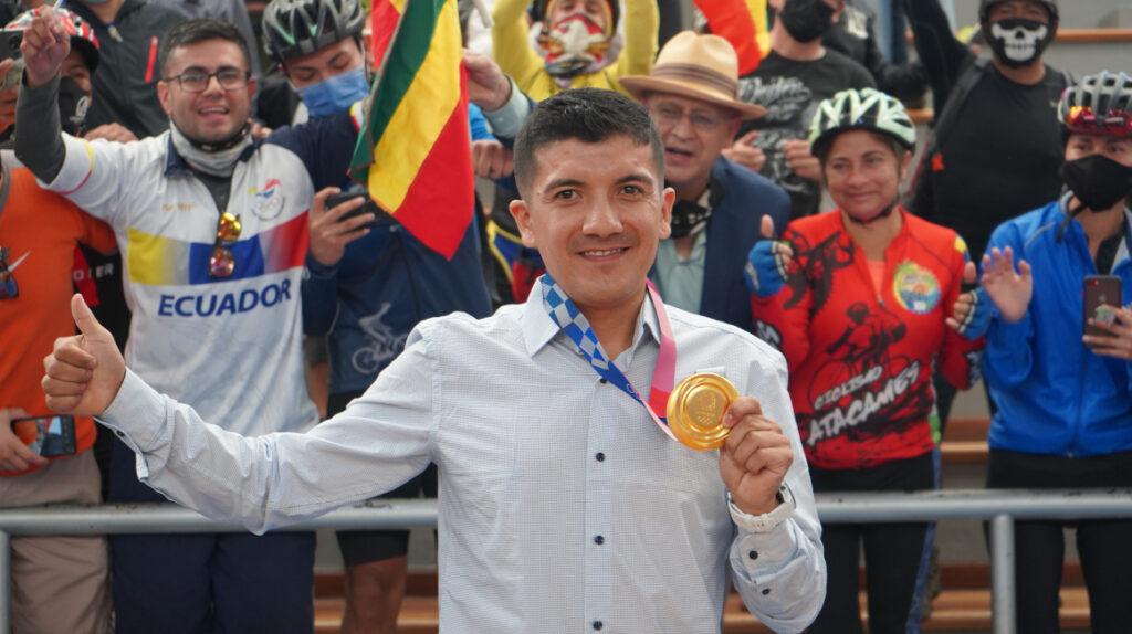 """Richard Carapaz en su homenaje en Quito: """"Quiero ganar el Tour"""""""