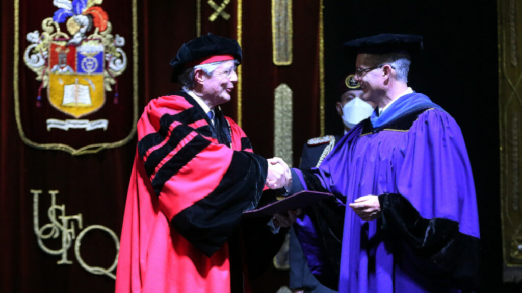 Lasso recibió el título honoris causa de la Universidad San Francisco