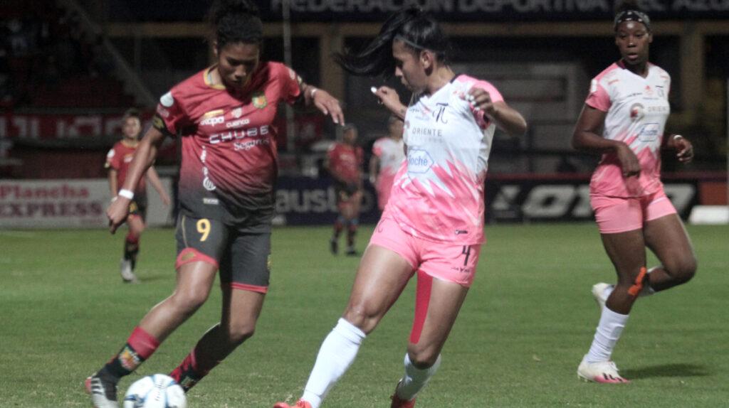 Deportivo Cuenca se proclama campeón de la Superliga femenina 2021