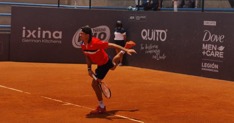 Emilio Gómez, durante su primer partido en el Challenger de Quito, el lunes 13 de septiembre de 2021.