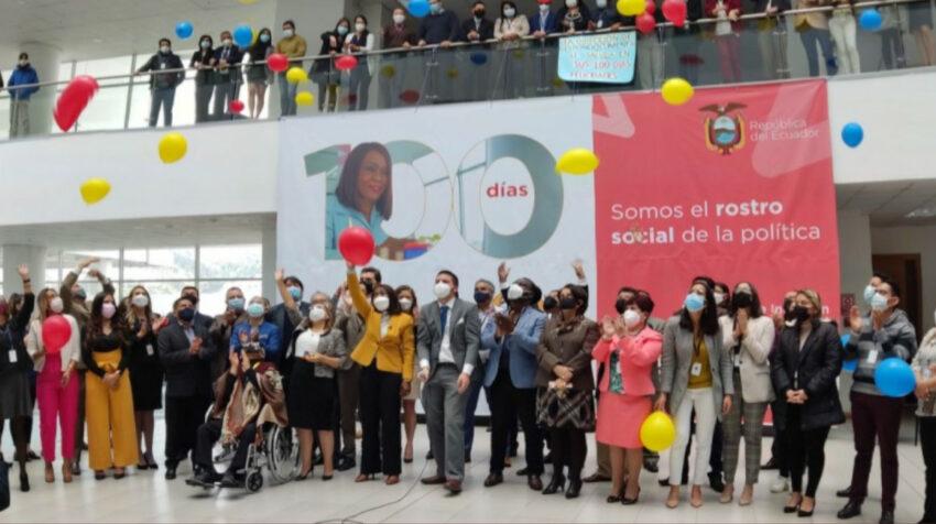 El 1 de septiembre de 2021, Mae Montaño celebró los 100 días del gobierno de Guillermo Lasso en el MIES.