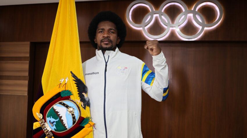 Julio Castillo fue uno de los abanderados de la delegación ecuatoriana en Tokio 2021.