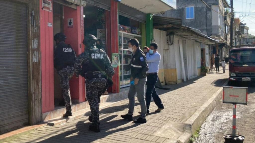 Fiscalía investiga a funcionarios de la institución y realiza allanamientos