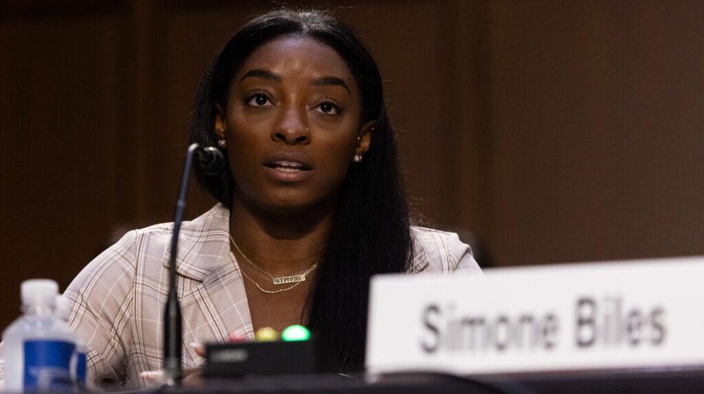 """Simone Biles: """"No quiero que ningún deportista sufra el mismo horror"""""""