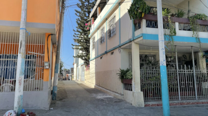 El 'Callejón del Diablo', en el barrio 9 de octubre, en el sector 7 puñaladas, en Manta. 15 de septiembre de 2021.