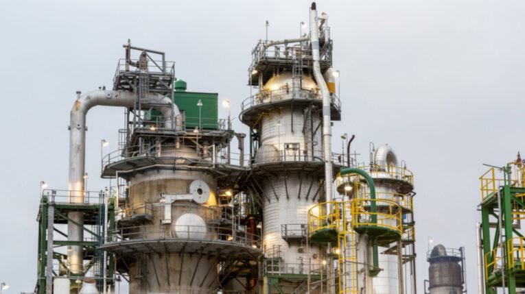 Una vista de la Refinería Esmeraldas, de Petroecuador, el 16 de septiembre de 2021.