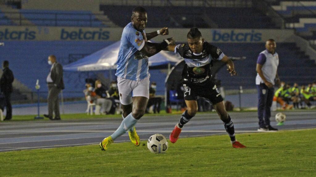 Macará se lleva un empate ante 9 de Octubre en Guayaquil