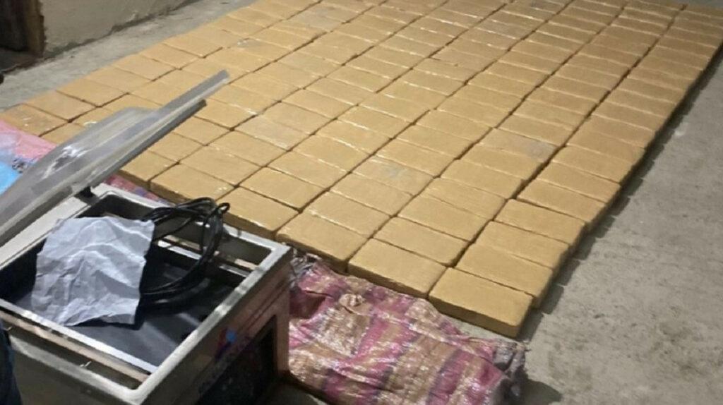 Dos personas pretendían ingresar 160 bloques de cocaína y dinero a la Penitenciaría