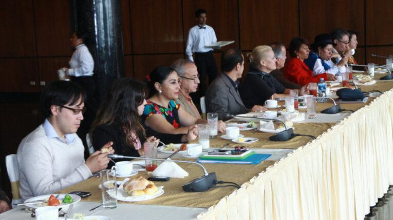 Evento entre legisladores ecuatorianos y venezolanos, en la Asamblea Nacional, el 11 de junio de 2013.