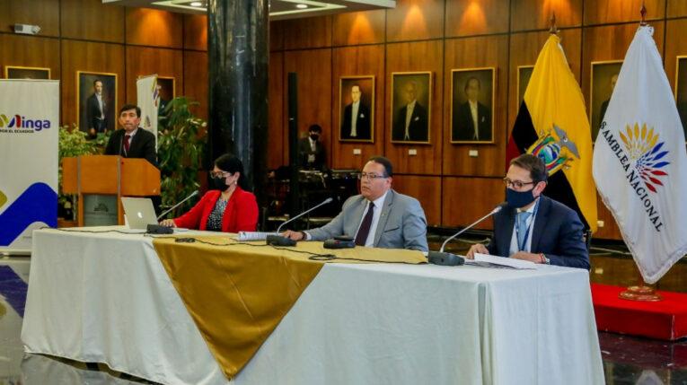 Las autoridades administrativas de la Asamblea Nacional hablaron sobre el contrato por el servicio de logística para reuniones, actos y ceremonias protocolarias, el 20 de septiembre de 2021.