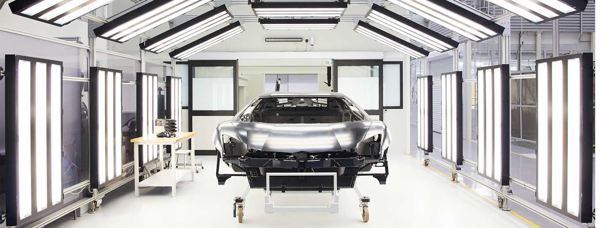 Lamborghini: 35 años de hitos con fibra de carbono
