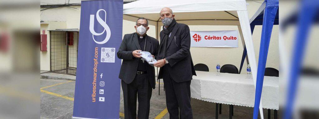 Uribe Schwarzkopf entregó donación de ropa para quienes más lo necesitan