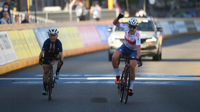 Zoe Backstedt es la campeona junior de ruta en el Mundial de Ciclismo