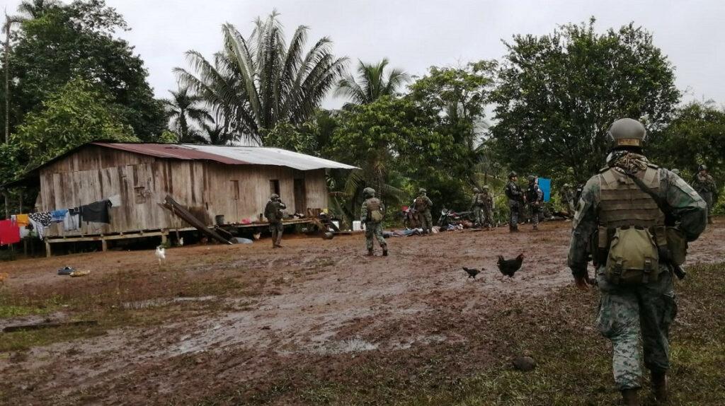 Ejército desmantela presunto campamento de grupos armados ilegales