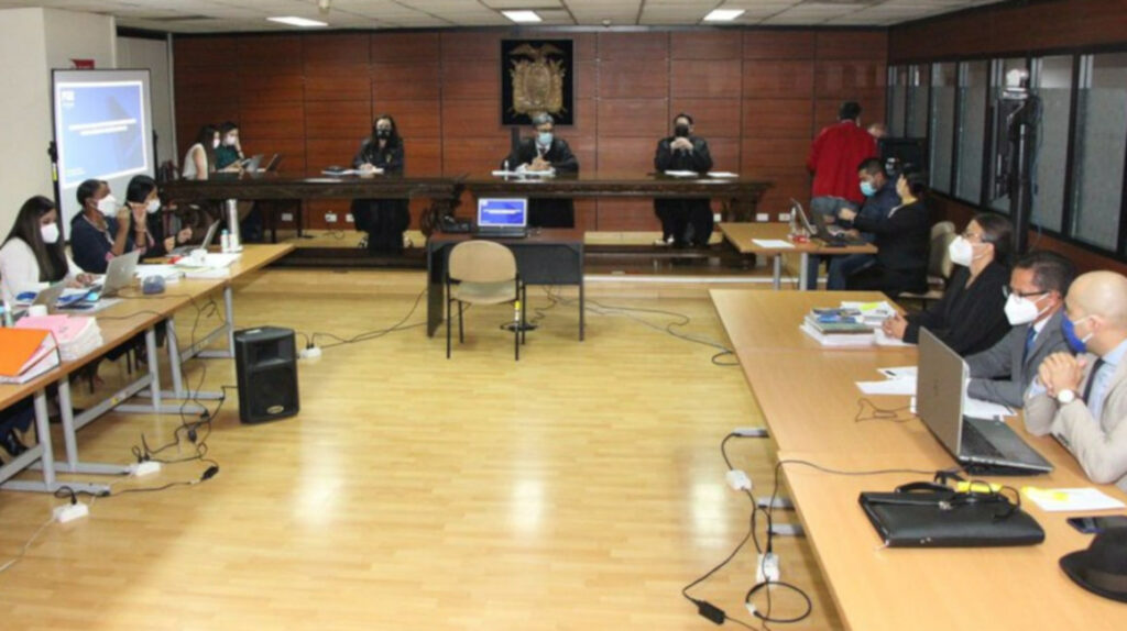 El juicio del exdefensor Carrión se posterga tras sanción a sus abogados