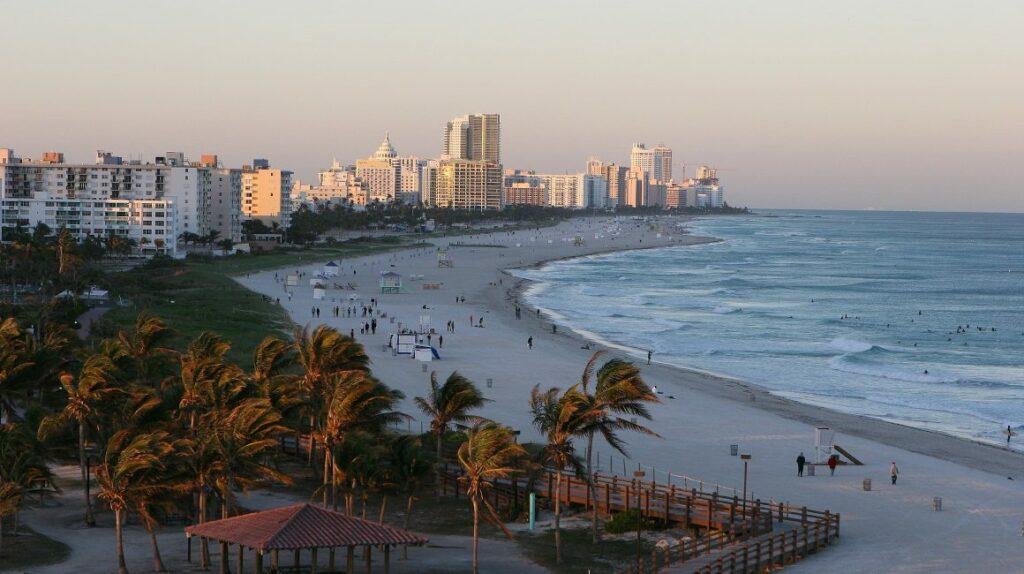 Así operaba la millonaria red de inversiones engañosas de los 'Miami boys'