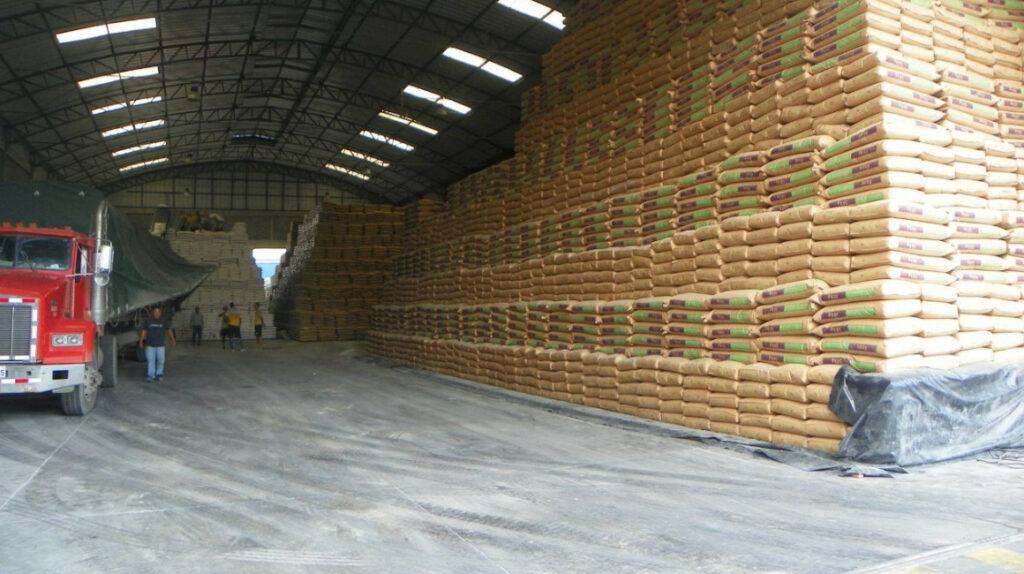 Ecuatoriana Dajahu vende unidad de arroz a Camil por USD 36,5 millones