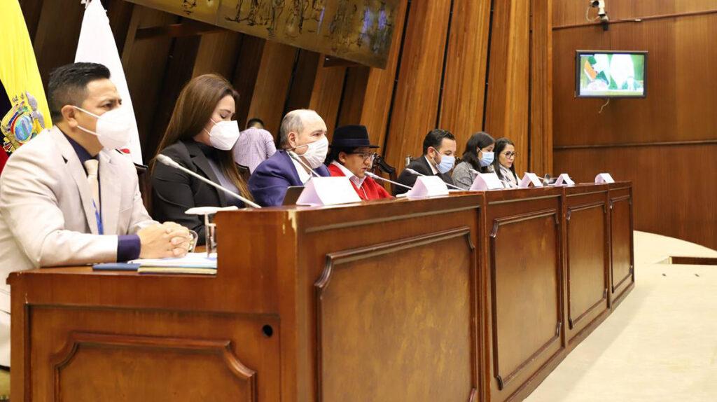 Comité de Ética recomienda la destitución de Bella Jiménez