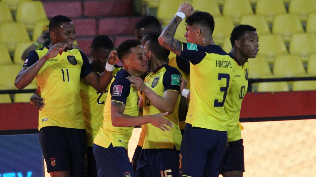 Ecuador se pasea ante Bolivia y regresa al tercer lugar de las Eliminatorias