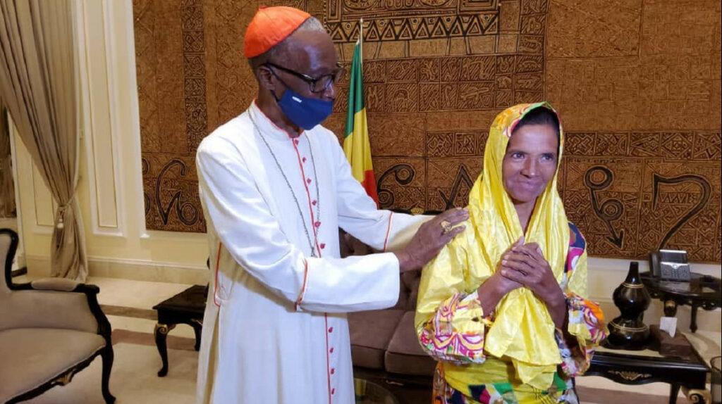 Colombia confirma liberación de monja secuestrada en Mali desde 2017