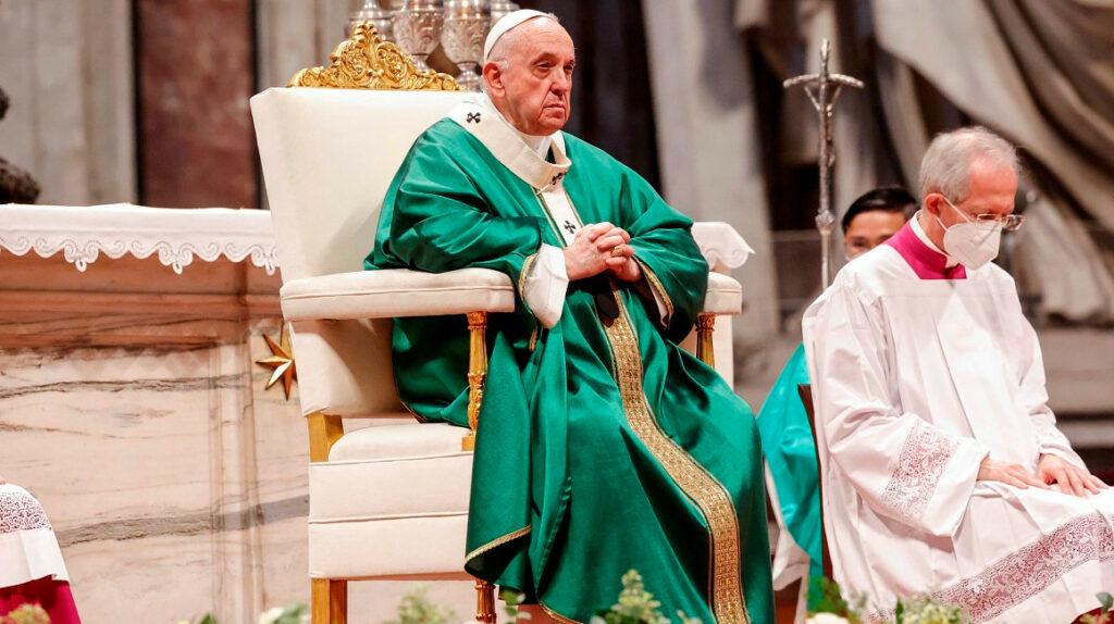 Papa lanza proceso consultivo para dar más presencia a las mujeres en la Iglesia