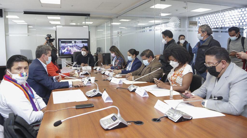 Mesa legislativa llamará a comparecer al presidente Lasso por 'Pandora Papers'