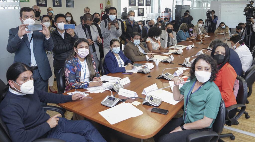 Pandora Papers: Asamblea habla de 'conmoción social' y causa suspicacia