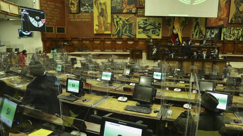 La unión entre UNES y Pachakutik ahonda la debilidad legislativa del Gobierno