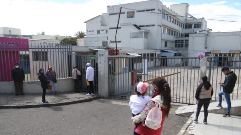Hogares financian el 40% del gasto en salud en Ecuador, según la OIT