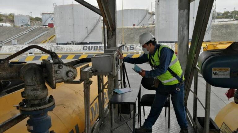Autoridades garantizan el normal abastecimiento de diésel en el país