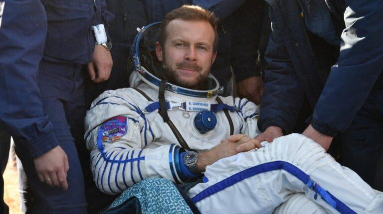 Director ruso que rodó su película en el espacio se entusiasma con la Luna o Marte