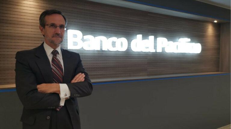 Grupos latinoamericanos y europeos interesados en el Banco del Pacífico