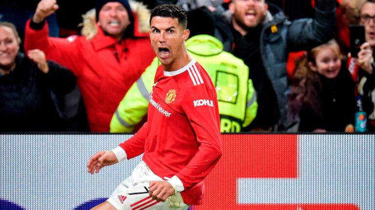 Cristiano Ronaldo le da la victoria al United frente al Atalanta