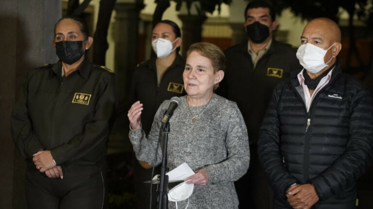 Gobierno anuncia liberación de dos militares retenidos por manifestantes