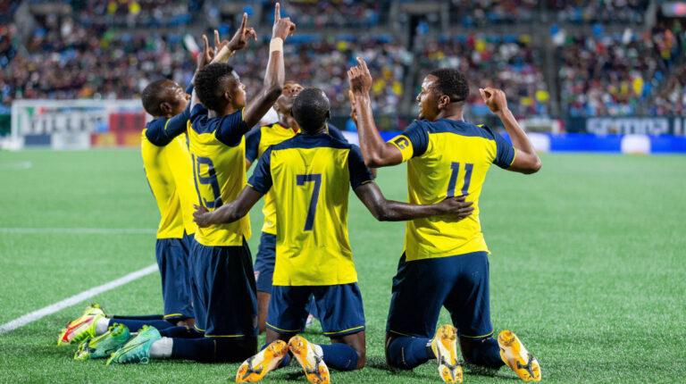 Ecuador le gana a México con un equipo lleno de futbolistas jóvenes